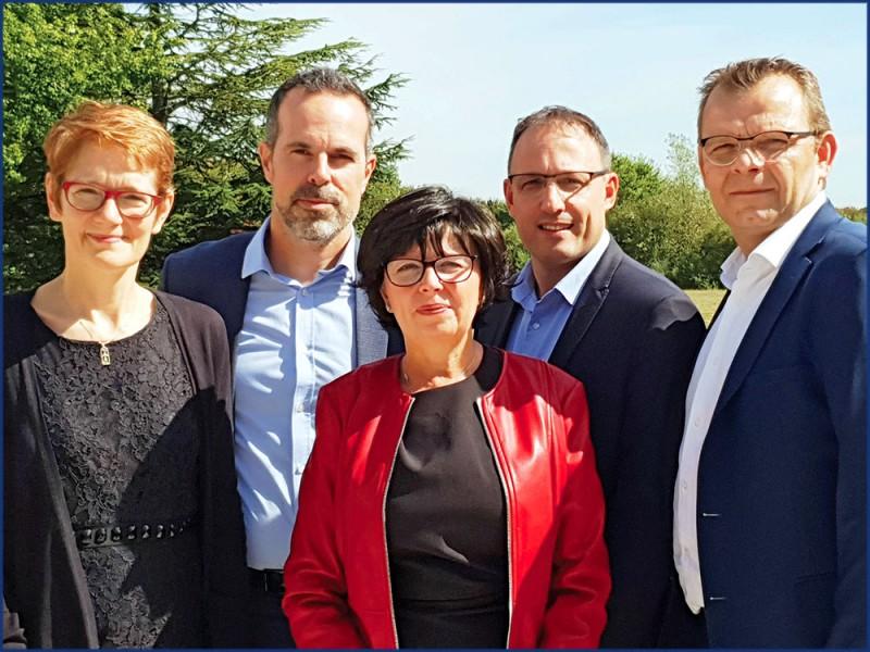 De g. à d. : F. Maurice, directrice des opérations ; G. Boucon, directeur général ; M.-L. Timsit, directrice de l'offre marketing services ; P. Sauze, directeur développements et projets stratégiques ; et S. Richard, directeur Business Unit Print Manag.